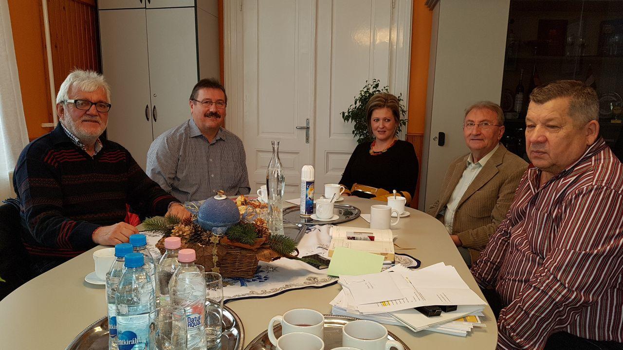 Begrüßung durch den neuen Bürgermeister Halász István im Rathaus von Kunbaja